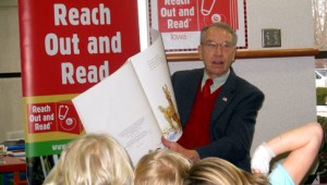 Grassley, Read Out and Read, Caught in the Act of Reading, http://PragmaticMom.com, Pragmatic mom