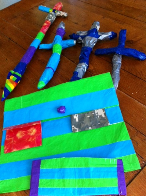duct tape crafts weapons swords daggars bags purses pocketbooks wallets Pragmatic Mom PragmaticMom