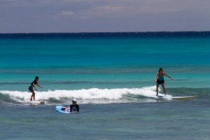 best place to learn to surf Waikiki