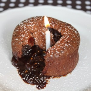 Roy's Mouten Chocolate lava cake