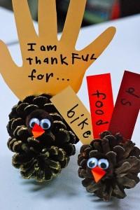 Thankful turkey pinecone craft for kids