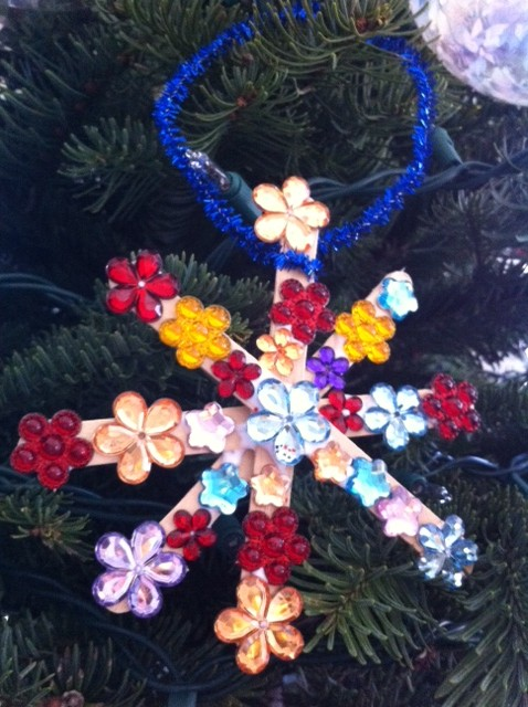 flower snowflake craft stick ornament craft for kids, snowflake ornament craft for kids, Christmas tree ornament crafts for kids