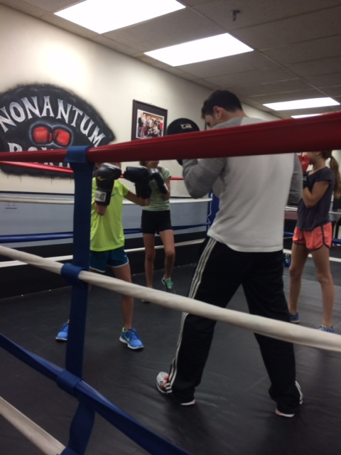 girls and boxing