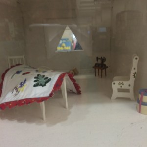 picture house doll house the keeping quilt