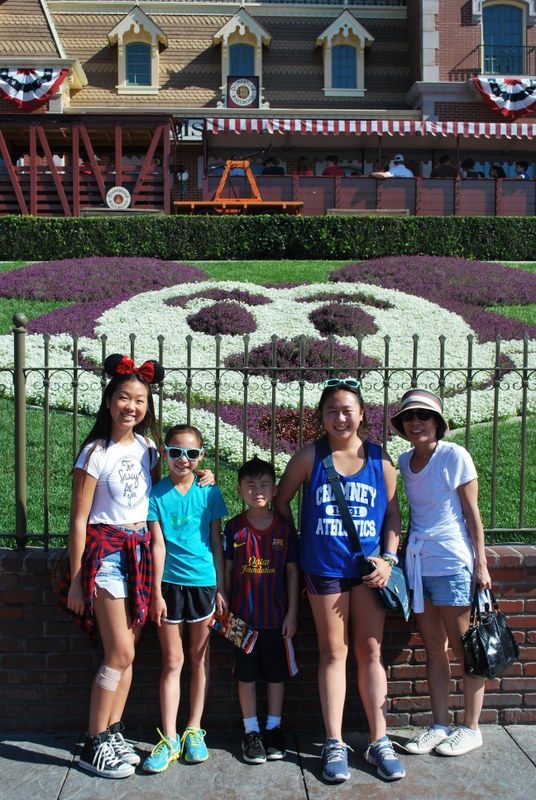 What Kids Can Learn From a Family Vacation To Disney World