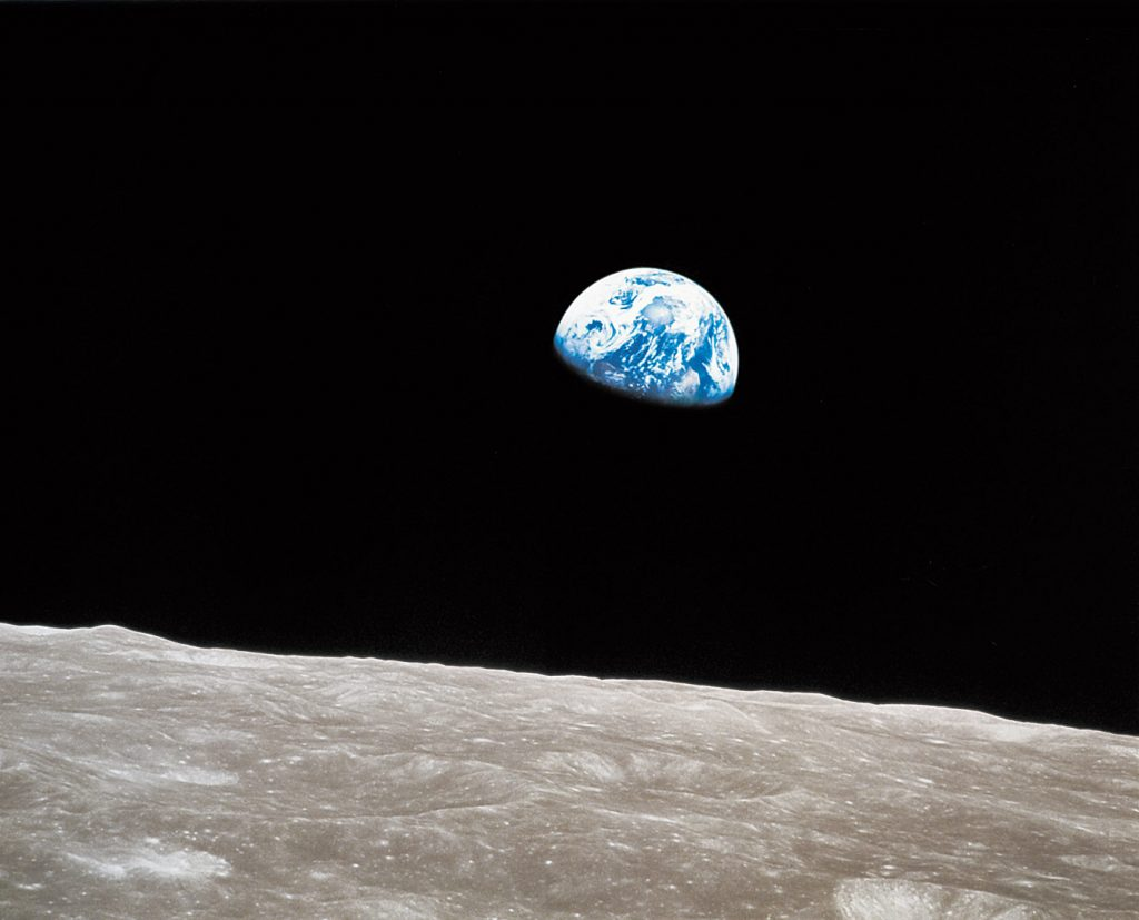 Earthrise photograph by William Anders Earthrise: Apollo 8 and the Photo That Changed the World